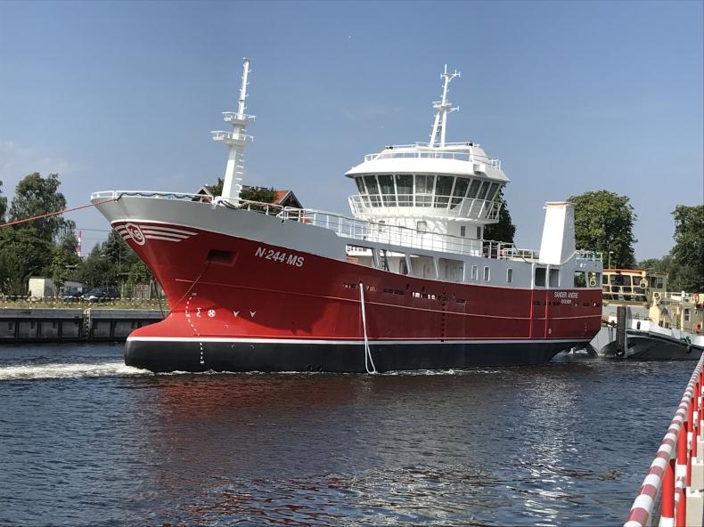 Częściowo wyposażony statek rybacki z Stoczni Wisła przekazany Norwegom - GospodarkaMorska.pl