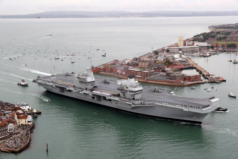 Wielka Brytania: Nowy lotniskowiec zawinął do swej bazy w Portsmouth (wideo) - GospodarkaMorska.pl