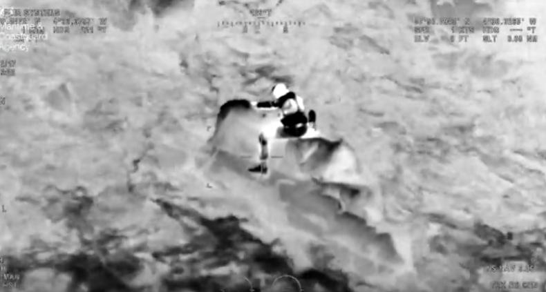 Ryzykowna akcja ratownicza u wybrzeży Wielkiej Brytanii (wideo) - GospodarkaMorska.pl