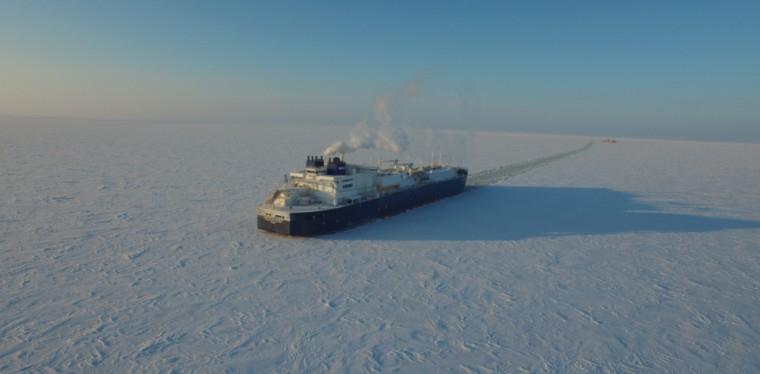 Pierwszy statek z LNG przepłynął samodzielnie przez Arktykę - GospodarkaMorska.pl