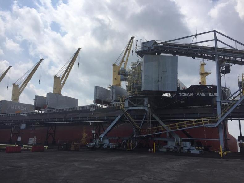 Na Ukrainę płynie pierwszy transport węgla z USA - GospodarkaMorska.pl