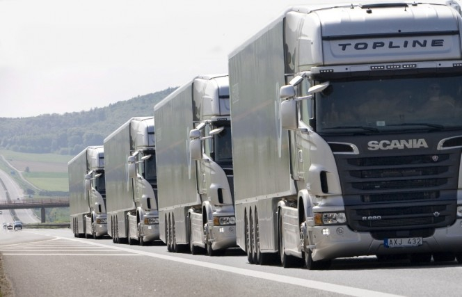 Rząd brytyjski przeprowadzi testy autonomicznych ciężarówek - GospodarkaMorska.pl