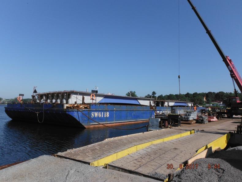 Rozpoczyna się montaż przęseł mostu w Sobieszewie (foto) - GospodarkaMorska.pl