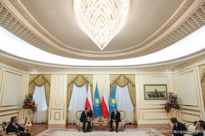 Duda: Pobudzenie współpracy gospodarczej celem mojej wizyty w Kazachstanie - GospodarkaMorska.pl