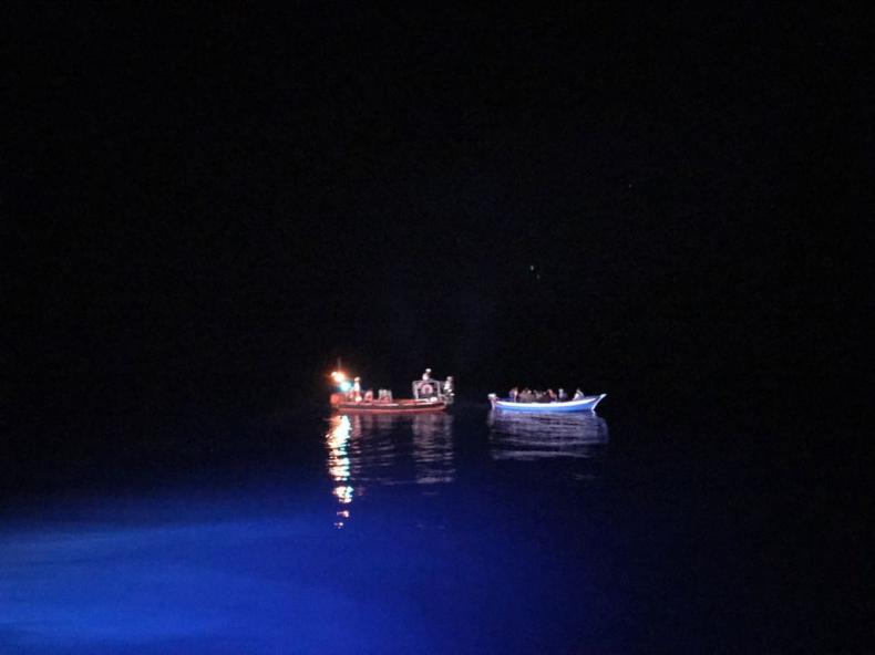 Cypr/Policja: 305 syryjskich migrantów dotarło do Cypru na dwóch łodziach - GospodarkaMorska.pl