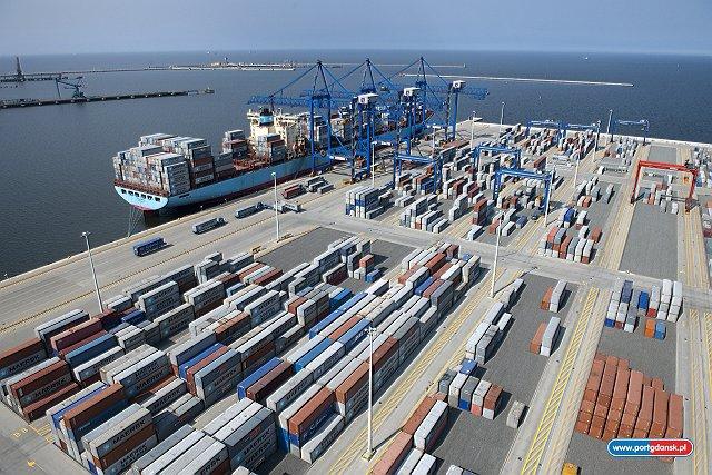 Morawiecki: wartość eksportu w tym roku może przekroczyć 200 mld euro - GospodarkaMorska.pl