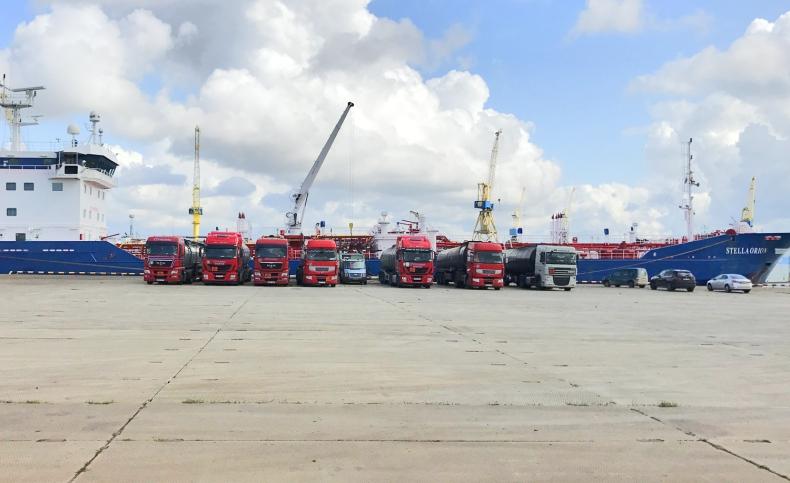 Dzięki spółkom PKN Orlen pierwszy transport asfaltu z Litwy drogą morską - GospodarkaMorska.pl