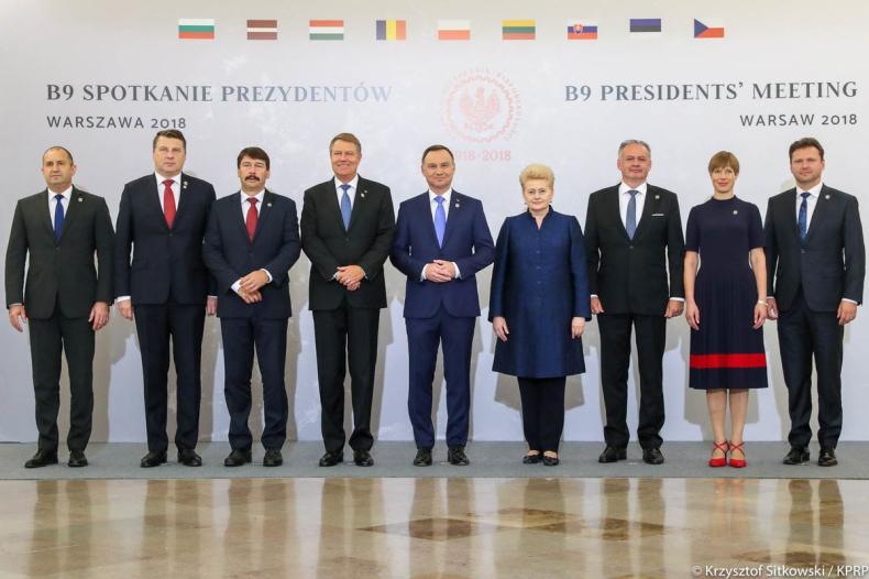 Prezydent Rumunii o B9: Razem możemy mieć wkład w bezpieczeństwo euroatlantyckie - GospodarkaMorska.pl