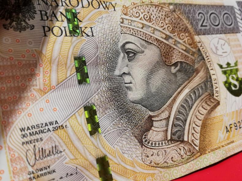 Rada Ministrów proponuje podniesienie płacy minimalnej do 2220 zł - GospodarkaMorska.pl