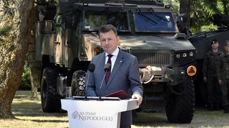 Błaszczak: Własne siły zbrojne filarem bezpieczeństwa - GospodarkaMorska.pl