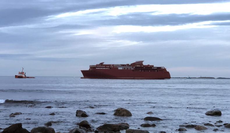Największy na świecie prom hybrydowy ze stoczni CRIST już w Norwegii. Ulstein kończy jego budowę (foto) - GospodarkaMorska.pl