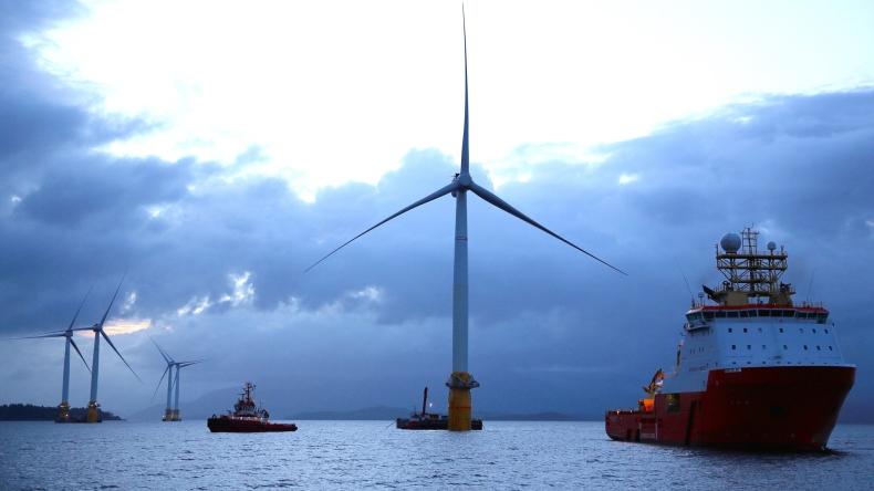 Największa morska farma wiatrowa rozpoczęła produkcję energii - GospodarkaMorska.pl