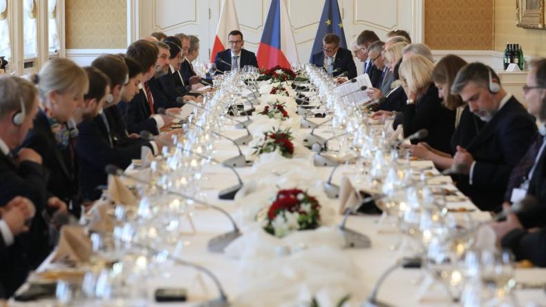 Czechy/Premier Morawiecki w HN: Nie widzę między nami konfliktu interesów - GospodarkaMorska.pl
