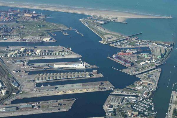 Francja: W razie Brexitu konieczna rozbudowa infrastruktury portu w Dunkierce - GospodarkaMorska.pl