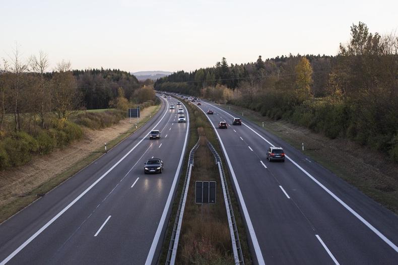 Hamryszczak: Kluczowe dla dalszego napływu inwestycji jest zbudowanie międzynarodowych tras - GospodarkaMorska.pl