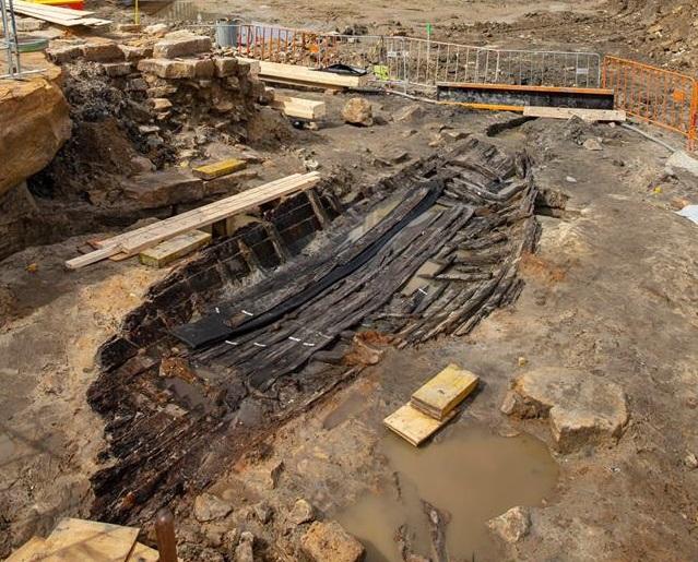 Drewniana łódź znaleziona na budowie nowej linii metra w Sydney. Unikatowe odkrycie - GospodarkaMorska.pl