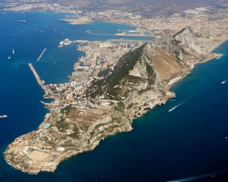 Hiszpania nie podpisze umowy o Brexicie bez porozumienia w sprawie Gibraltaru - GospodarkaMorska.pl