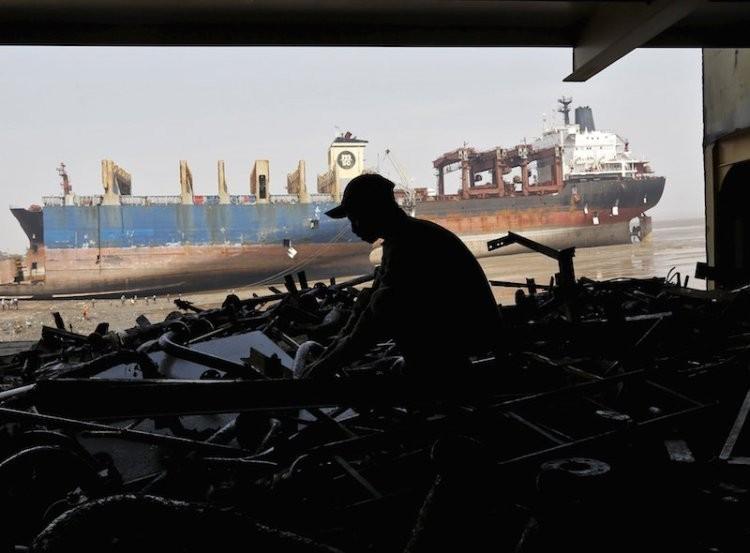 W trzecim kwartale sprzedano 121 statków do azjatyckich stoczni - GospodarkaMorska.pl