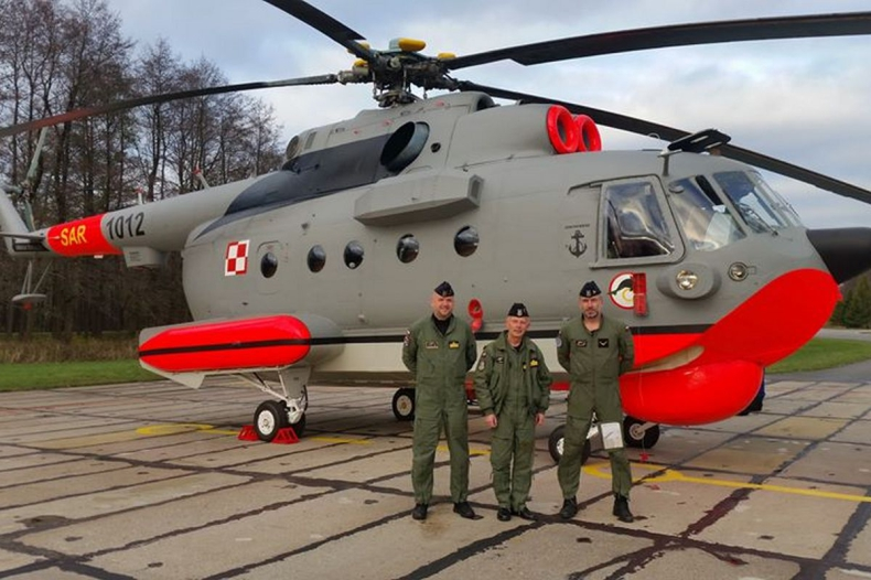 Mi-14PŁ/R nr 1012 powrócił do Darłowa - GospodarkaMorska.pl