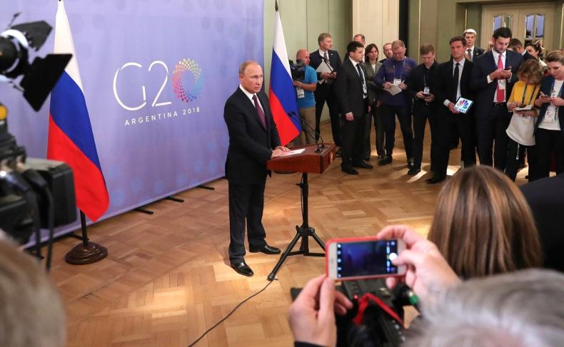 Putin o krótkiej rozmowie z Trumpem: Pozostaliśmy przy swoich stanowiskach - GospodarkaMorska.pl