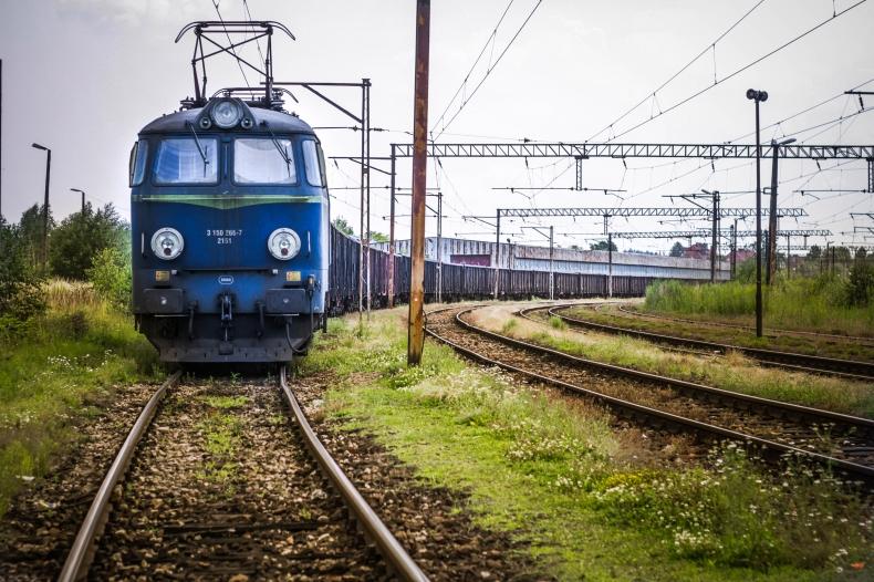 Ruch pociągów przywrócony po blokadzie Astaldi - GospodarkaMorska.pl