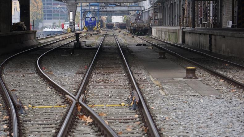 Wartość programu kolejowego ma wzrosnąć o 4,3 mld zł. Pieniądze będą przeznaczone m.in. na infrastrukturę kolejową w portach - GospodarkaMorska.pl