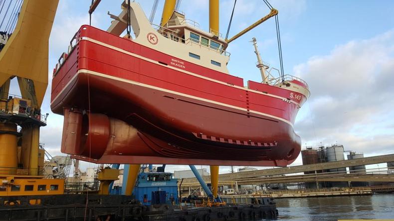 Z Gdańska wypłynął częściowo wyposażony statek rybacki dla Duńczyków - GospodarkaMorska.pl