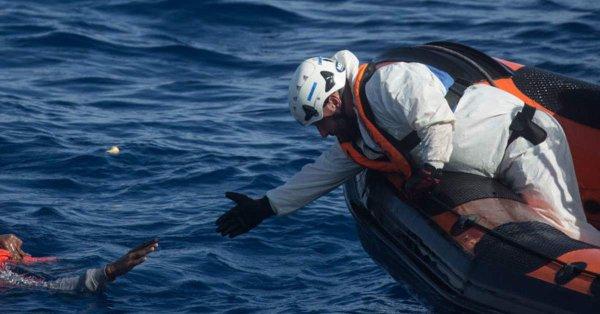 Papież modlił się za ofiary katastrof na morzu i zamachu w Kolumbii - GospodarkaMorska.pl