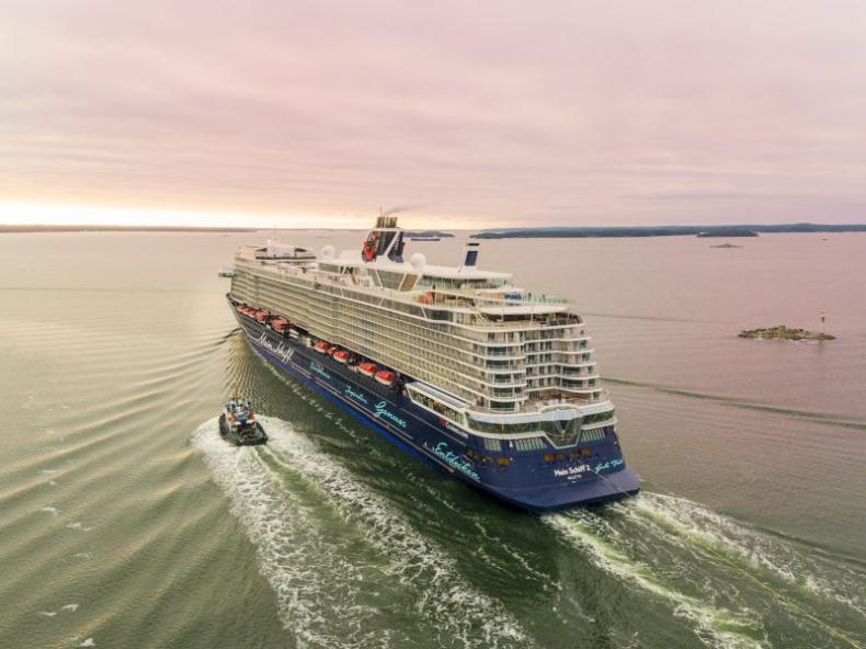 Wycieczkowiec New Mein Schiff 2 dostarczony TUI Cruises w Kilonii (wideo) - GospodarkaMorska.pl