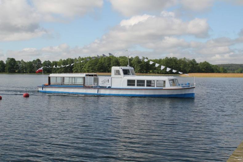 W jeziorze Wigry zatonął Tryton, tzw. statek papieski (foto, wideo) - GospodarkaMorska.pl