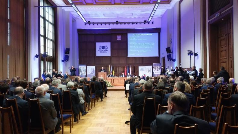 Karczewski: Będziemy dalej pracować na rzecz przemysłu stoczniowego i gospodarki morskiej. VII Konwent Morski (foto, wideo) - GospodarkaMorska.pl