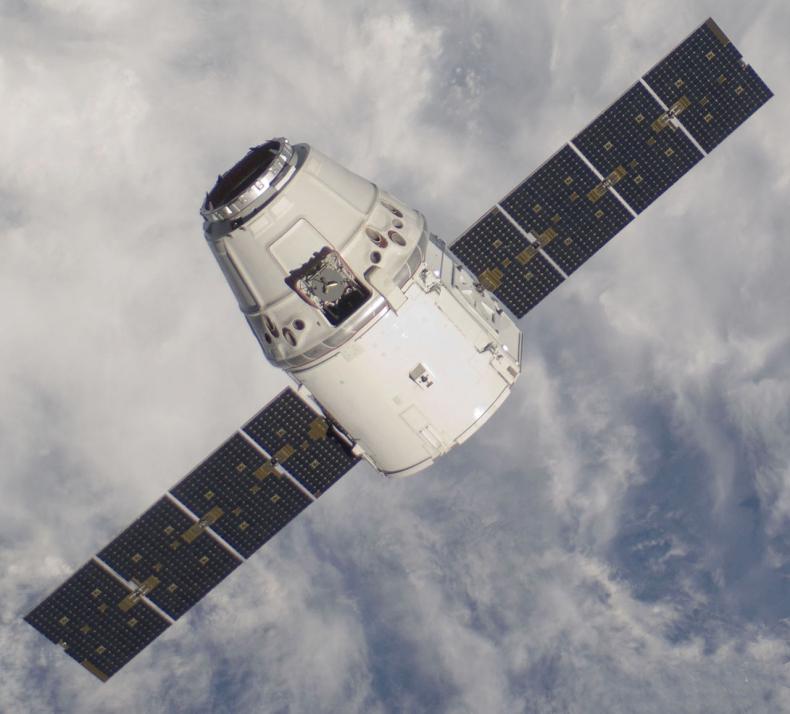 Załogowy Dragon odcumował od ISS i wraca na Ziemię - GospodarkaMorska.pl