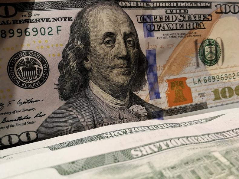 Ropa w USA zatrzymała się na 59 dolarach - GospodarkaMorska.pl