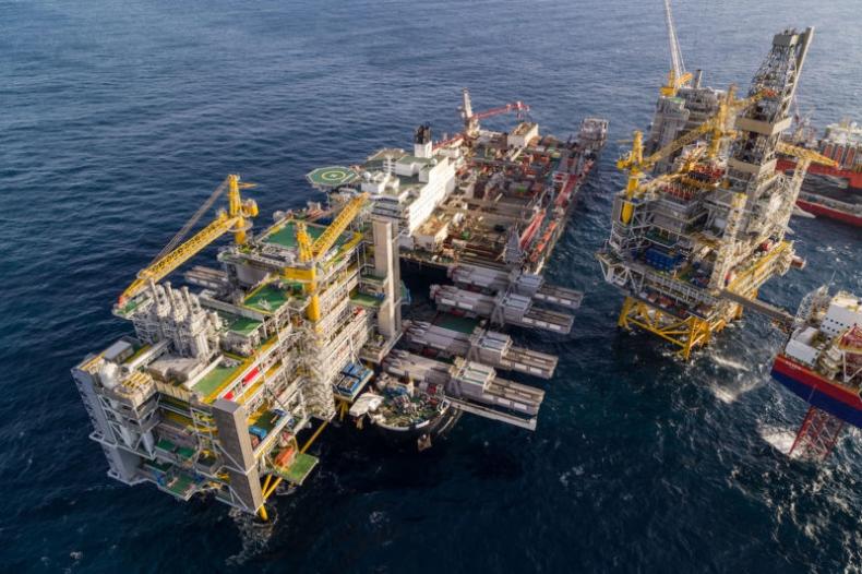 Pioneering Spirit wyznaczył nowy rekord udźwigu na morzu - GospodarkaMorska.pl