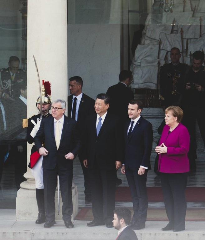 Francja: Macron spotkał się z Merkel, Junckerem i Xi - GospodarkaMorska.pl