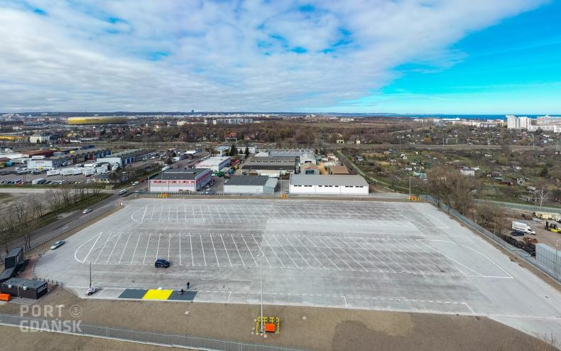 W Porcie Gdańsk oddano do użytku pierwszy parking buforowy dla samochodów ciężarowych (foto, wideo) - GospodarkaMorska.pl