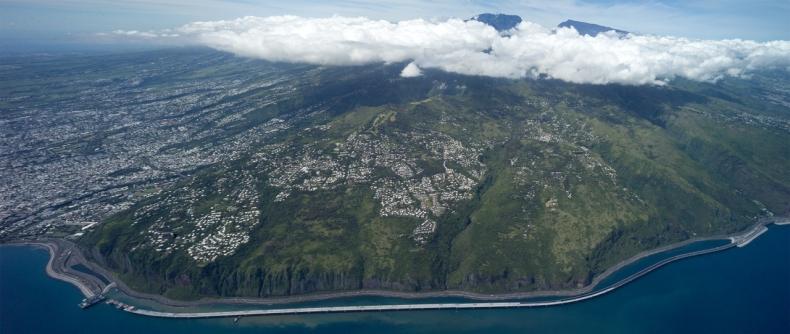 Ośmiornica z CRIST zakończyła budowę autostrady wokół wyspy Reunion (wideo) - GospodarkaMorska.pl