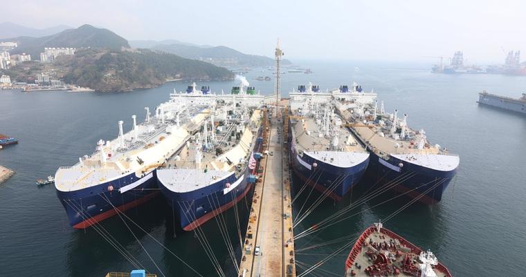 Teekay LNG Partners ochrzciło cztery nowe gazowce LNG klasy lodowej - GospodarkaMorska.pl