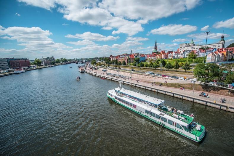 Wznowienie rejsów białej floty pod opieką Unity Line - GospodarkaMorska.pl