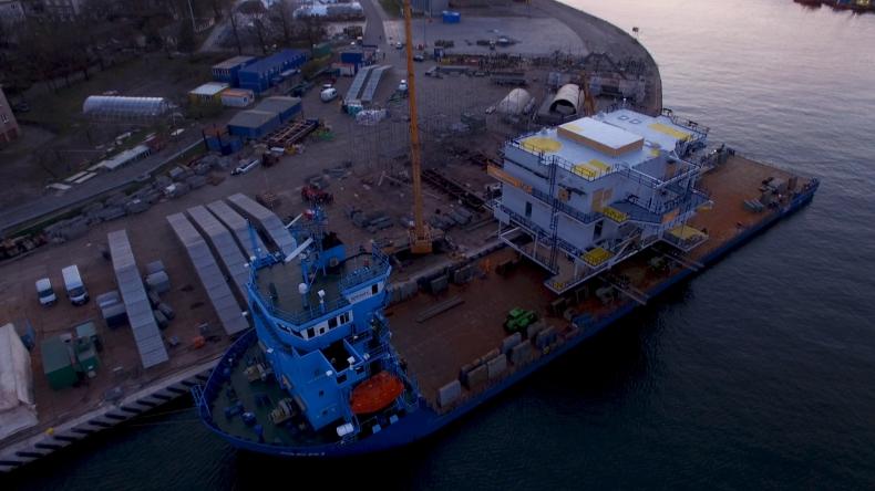 380-tonowa trafostacja od Mostostalu Pomorze w drodze z Gdańska do Danii. Zobacz załadunek (foto, wideo) - GospodarkaMorska.pl
