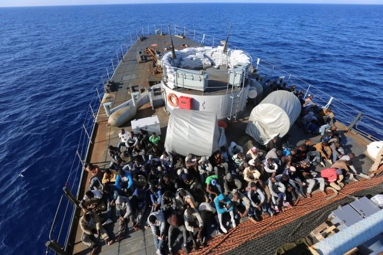 Włoski wicepremier Salvini: Uchodźcy przybywają tylko korytarzami humanitarnymi - GospodarkaMorska.pl