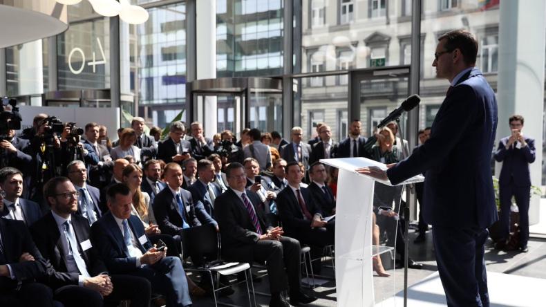 Morawiecki otworzył polskie centrum lobbingowe w Brukseli i zapowiedział dbanie o MŚP - GospodarkaMorska.pl