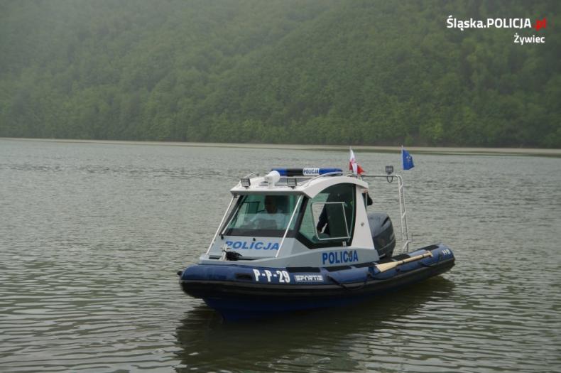 Żywieccy policjanci otrzymali nowoczesną łódź hybrydową - GospodarkaMorska.pl