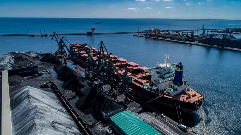 Rekordowy masowiec w Porcie Gdynia. Przypłynął z ponad 111 tys. t węgla z Australii (foto, wideo) - GospodarkaMorska.pl
