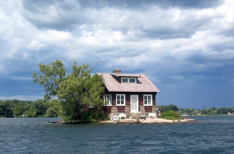 To najmniejsza zamieszkana wyspa na świecie. Należy do jednej rodziny - GospodarkaMorska.pl
