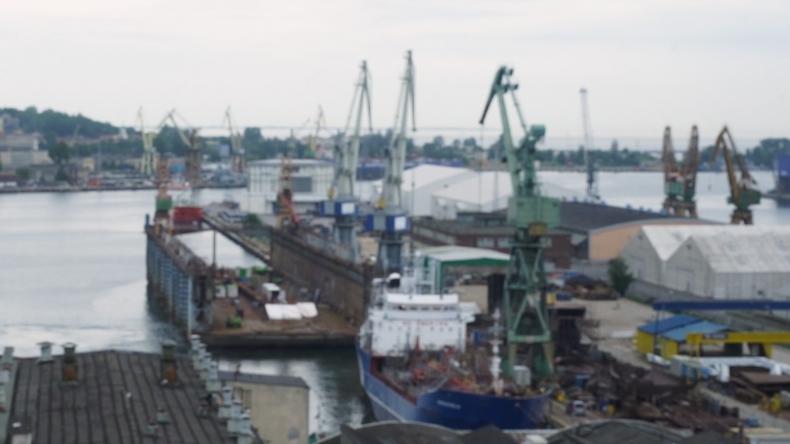 Vistal Gdynia w restrukturyzacji remontuje pływający dok dla Norwegów - GospodarkaMorska.pl