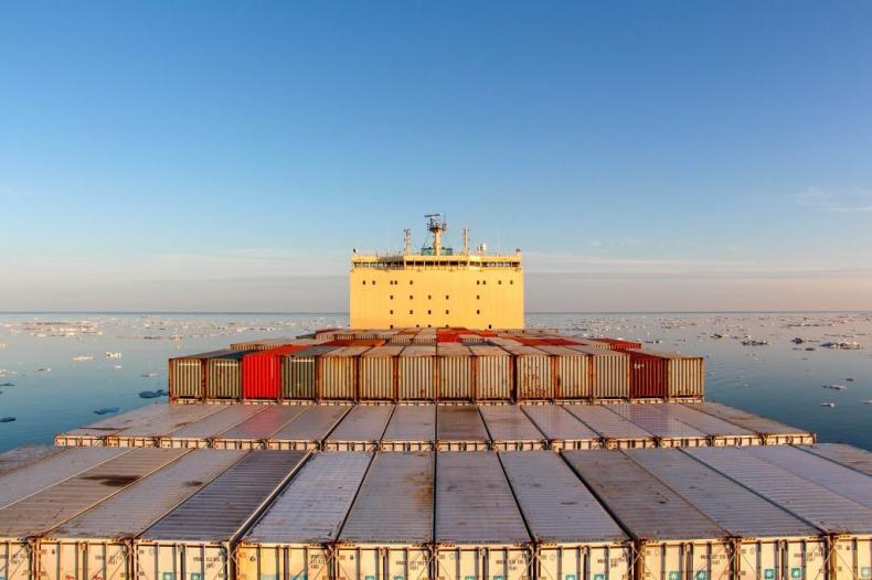 Maersk chce transportować towary północnym szlakiem morskim we współpracy z rosyjskim Atomflotem - GospodarkaMorska.pl