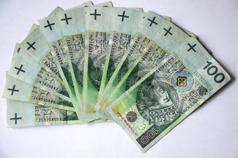 Wyższa inflacja w Polsce nadżera rosnące płace - GospodarkaMorska.pl