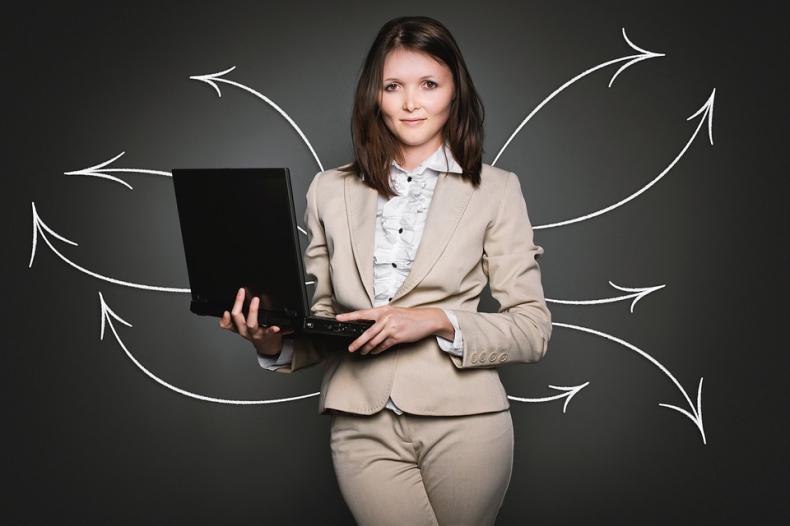 KE chwali się, że coraz więcej kierowniczych stanowisk zajmują kobiety - GospodarkaMorska.pl