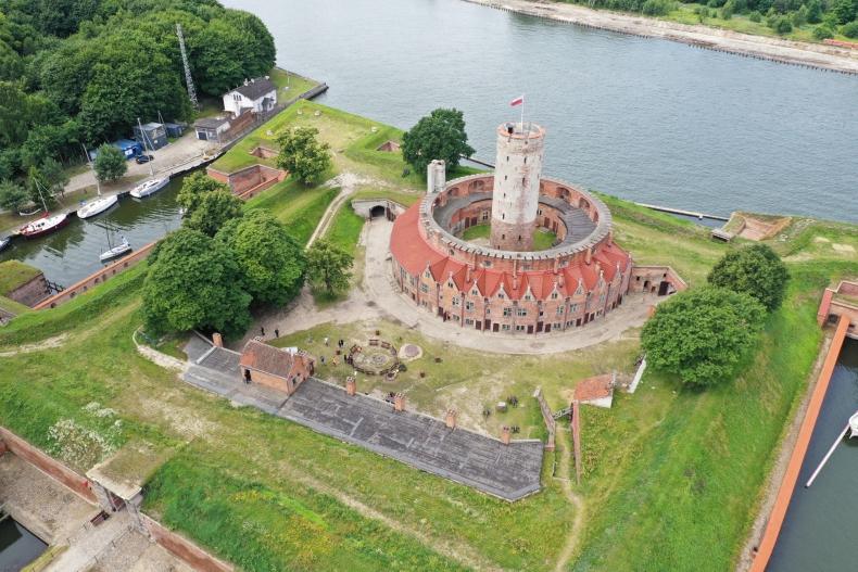 Gdańsk: Archeolodzy zapraszają na dni otwarte wykopalisk w Twierdzy Wisłoujście - GospodarkaMorska.pl